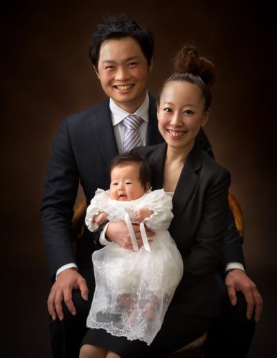 お宮参り,家族写真,親子寄りそって半身
