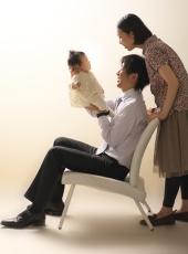 お宮参り,家族写真,パパが高い高いをして