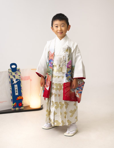七五三,五歳,男の子,羽織袴,白,立ち姿