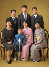 七五三,五歳男児,家族,集合写真,祖父母も一緒に